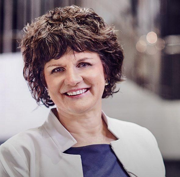 Dr. Isabelle Kopec